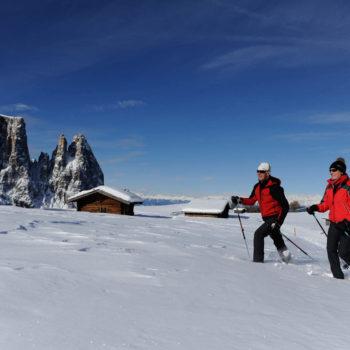 Schneeschuhwandern über die Seiser Alm
